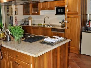 Cucina sostituita: Cucina attrezzata in stile  di Studio Forma