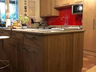مطبخ ذو قطع مدمجة تنفيذ Studio Forma,