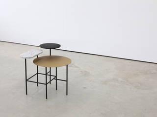 Angle Side Table 앵글 사이드 테이블: PLUSTAN. 플러스탠의