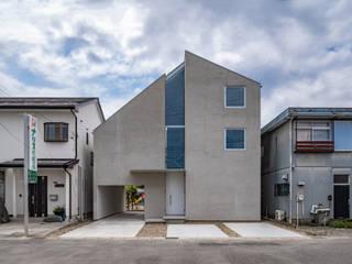 西改田の二世帯住宅 モダンな 家 の 武藤圭太郎建築設計事務所 モダン