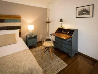 Officina Boarotto Rustic style bedroom