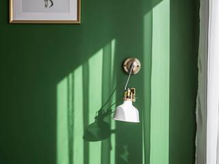 Warszawski eklektyzm: styl , w kategorii Ściany zaprojektowany przez Perfect Space