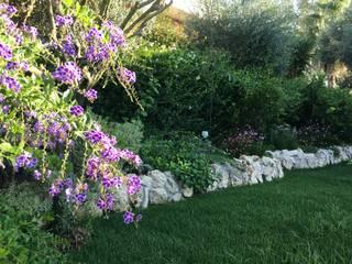 Un giardino al mare di Au dehors Studio. Architettura del Paesaggio