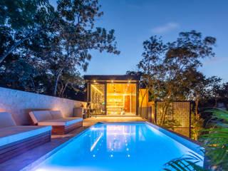 Villa Lagú 18 Tulum: Albercas infinity de estilo  por Obed Clemente Arquitectos,