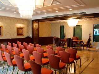 DESTONE YAPI MALZEMELERİ SAN. TİC. LTD. ŞTİ. Salones de eventos de estilo minimalista