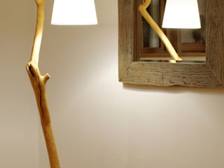 Floor lamp with natural oak branches, Art, wild oak Meble Autorskie Jurkowski EstudioIluminación Madera Blanco