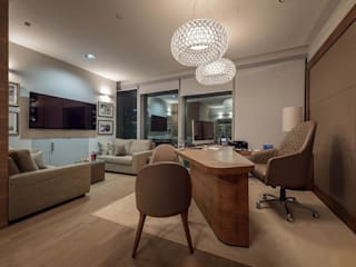 Офис в Москва-Сити:  в . Автор – Салон дизайнерской мебели «Линия»