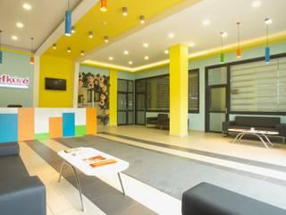 Konseptia Mimarlık Dekorasyon – Özel Eğitim Kurumları:  tarz Koridor ve Hol