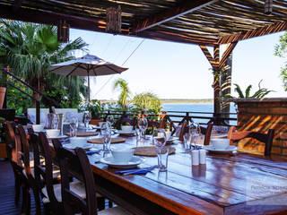 Tropical style balcony, porch & terrace by Patrícia Nobre - Arquitetura de Interiores Tropical