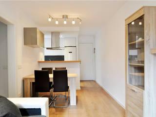 Reforma integral de un piso en Barcelona por el estudio de arquitectura JSV: Comedores de estilo  de JSV-Architecture