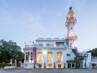 Casas de estilo  por LT&I, Colonial