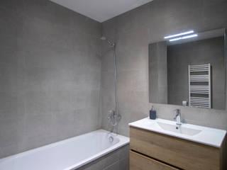 Projekty,  Łazienka zaprojektowane przez Grupo Inventia