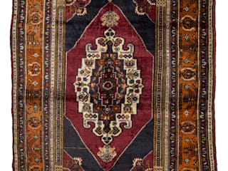 Turkish Rugs di Heritage Nomadic Art Gallery