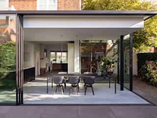 Bloot Architecture Minimalist dining room
