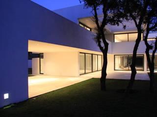 Iluminación: Casas de estilo  de Otto Medem Arquitectura S.L