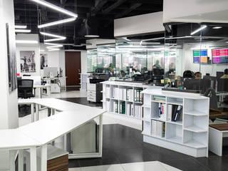 Oficinas Corporativas SF SYSTEMS by SPAZI Función Arquitectónica: Estudios y oficinas de estilo  por Spazi