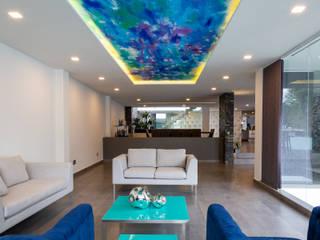 15. CASA FAR: Salas de estilo  por TARE arquitectos