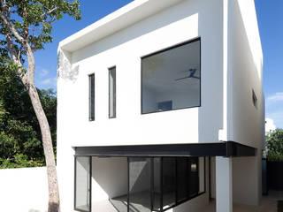 Case in stile  di Daniel Cota Arquitectura | Despacho de arquitectos | Cancún