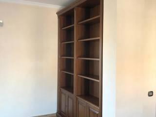 Falegnameria su misura Corridor, hallway & stairsDrawers & shelves Kayu