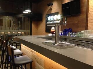 Chillis - Las Condes: Restaurantes de estilo  por TONINO