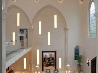 A House in St Saviours Church, Knightsbridge, London モダンデザインの リビング の 4D Studio Architects and Interior Designers モダン