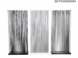 Der schwarze Sichtschutz kann durch seine wetterfeste Struktur sowohl in Wohnräumen, als auch im Outdoorbereich verwendet werden.:   von www.skydesign.news - Raumteiler aus Berlin