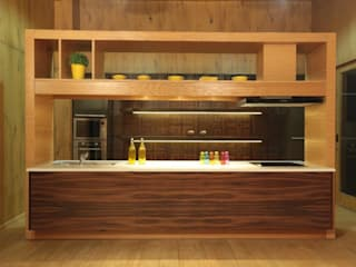 Modular Kitchen Display at PlanMyInterior Experience Center, Greater Noida:  Kitchen by PlanMyInterior