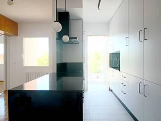 Cucina in stile  di fic arquitectos, Scandinavo