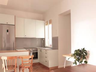 Cucina in stile  di fic arquitectos, Eclettico