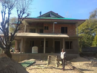 RESIDENTIAL PROJECT HIMACHAL PRADESH Kapilaz Space Planners & Interior Designer Small houses Бетон Різнокольорові