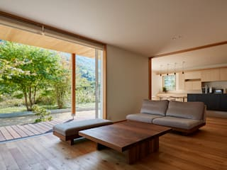 Eclectic style living room by ARTBOX建築工房一級建築士事務所 Eclectic