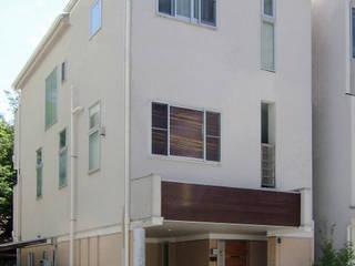 神奈川で建てた1000万円台の3階建てローコスト住宅 モダンな 家 の 滝沢設計合同会社 モダン