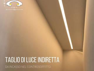 Tagli di luce indiretta da incasso nel controsoffitto:  in stile  di Eleni Lighting