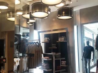 Rock Shop - Hard Rock Cafe Galerías y espacios comerciales de estilo moderno de Arquitectura CH Moderno