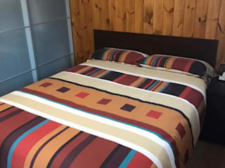 Caseta de Madera para la abuela Dormitorios de estilo rústico de Construcción de casetas de Madera en Madrid Rústico