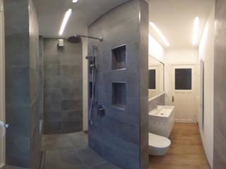 Badezimmer Hamburg:  Badezimmer von RAUMLOTSEN | Marken- und Innenarchitektur