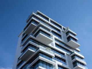 Edifício:   por Screenproject Consulting Engineers, Lda