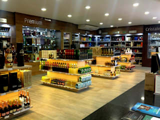 Vinoteca Humberto Lobo : Oficinas y tiendas de estilo  por Sondero29,