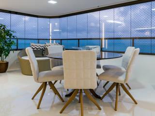 Balcón de estilo  por Bience Arquitetura