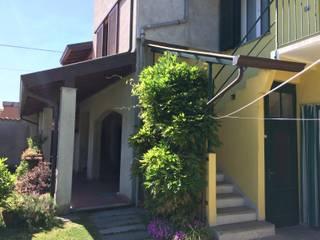 Ristrutturazione casa di corte:  in stile  di Alessandro Jurcovich Architetto