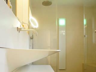 Baños de estilo  por Schandl Architekten