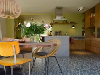Dining room by Denk Ruim Over Interieur