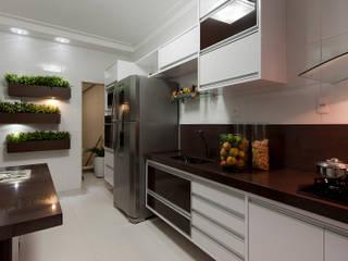 Cozinha: Cozinhas embutidas  por Gleide Belfort interiores,Moderno