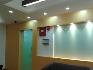 School reception space Modern schools by EX SERVICEMAN ENTERPRISES Modern