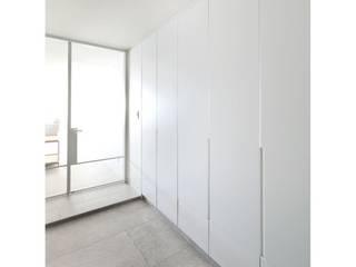 WITHJIS(위드지스) الممر الحديث، المدخل و الدرج ألمنيوم/ زنك White