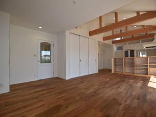 Ruang Keluarga Gaya Country Oleh Home Plan Kiyotake 一級建築士事務所 ㈱清武建設 Country