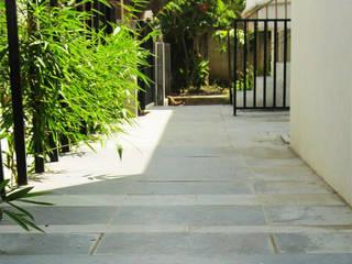 Baghorama Landscape Architects Koridor & Tangga Gaya Asia Granit Grey