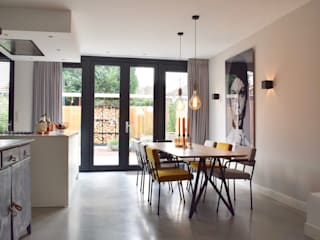 Scandinavian style dining room by Atelier09 Scandinavian
