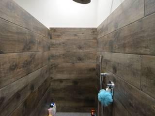 Moderne Badezimmer von Arch. Francesco Antoniazza - Il bello della casa ..................... di una volta Modern