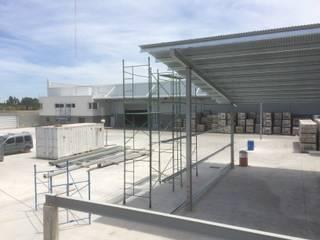 Deposito y Playa de Maniobras en Paso del Rey, Pcia Bs. As. Casas industriales de Arq. Fernando Rodriguez & Asociados Industrial